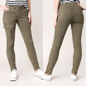 Silver Jeans Skinny Cargo, Olive Green, Size 26